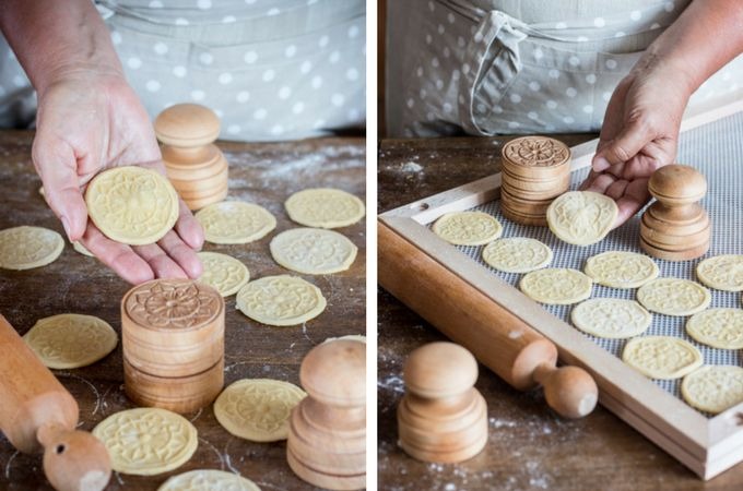 corzetti pasta making at home