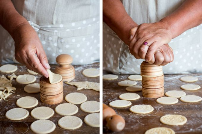 making corzetti at home using corzetti stamps